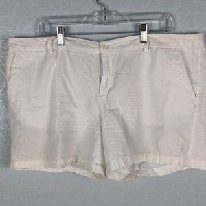 Seersucker white shorts
